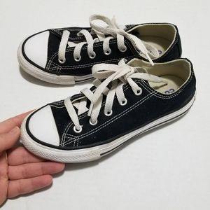 Converse 13 Unisex Youth Classic Low Top Sneakers